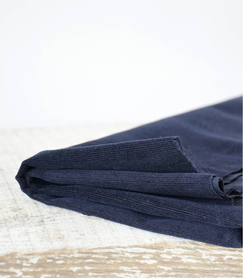 Tissu velours milleraies fin bleu nuit