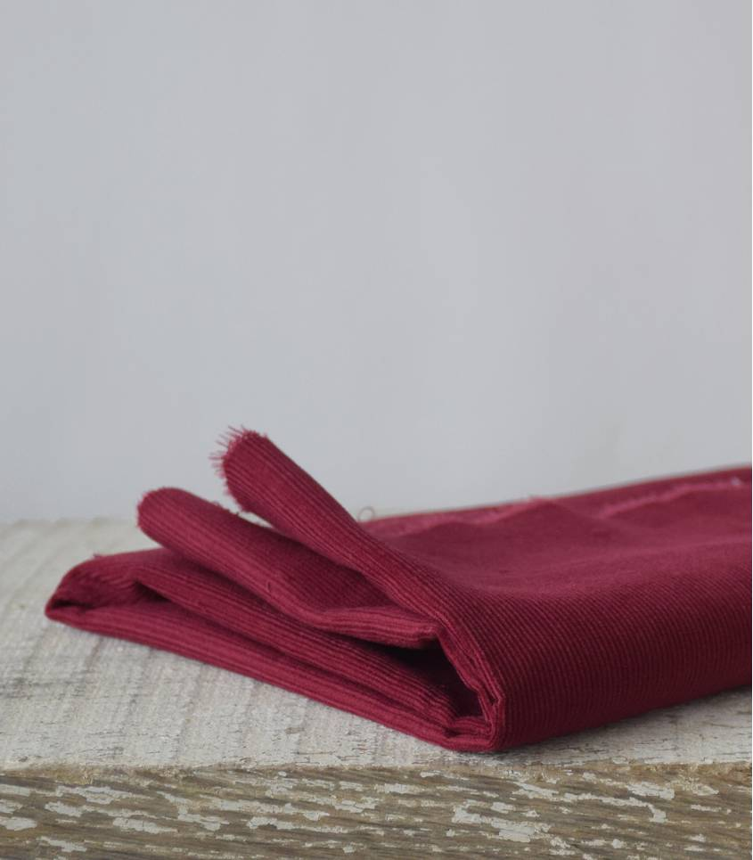 Tissu velours milleraies fin bordeaux