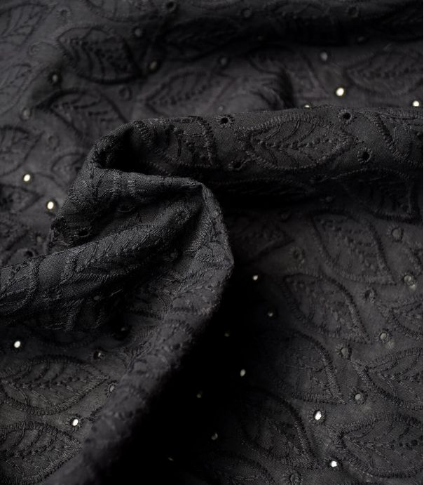 Broderie anglaise Leaves - black