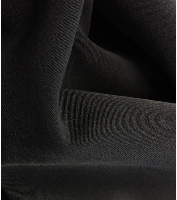 Crêpe lourd noir par Cousette