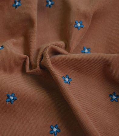 Tissu velours milleraies brodé fleurs - Cognac