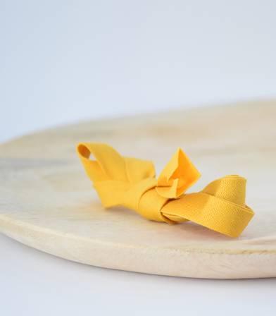 Biais jaune moutarde