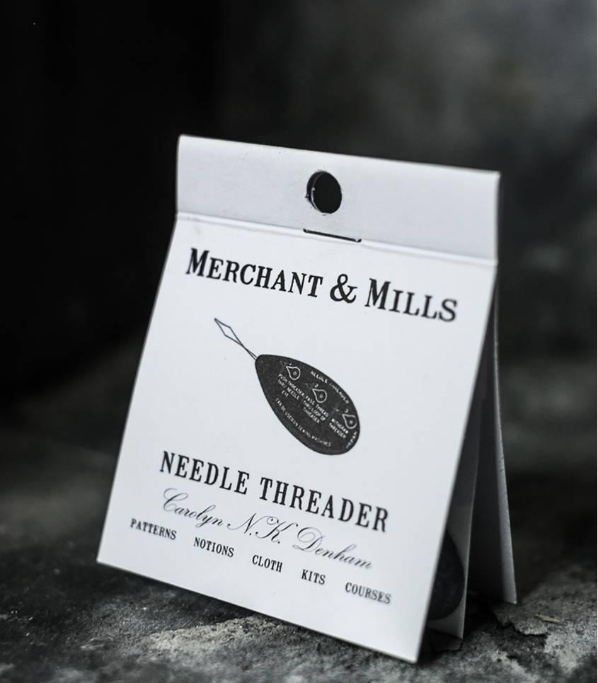 Needle threader - Enfile aiguille