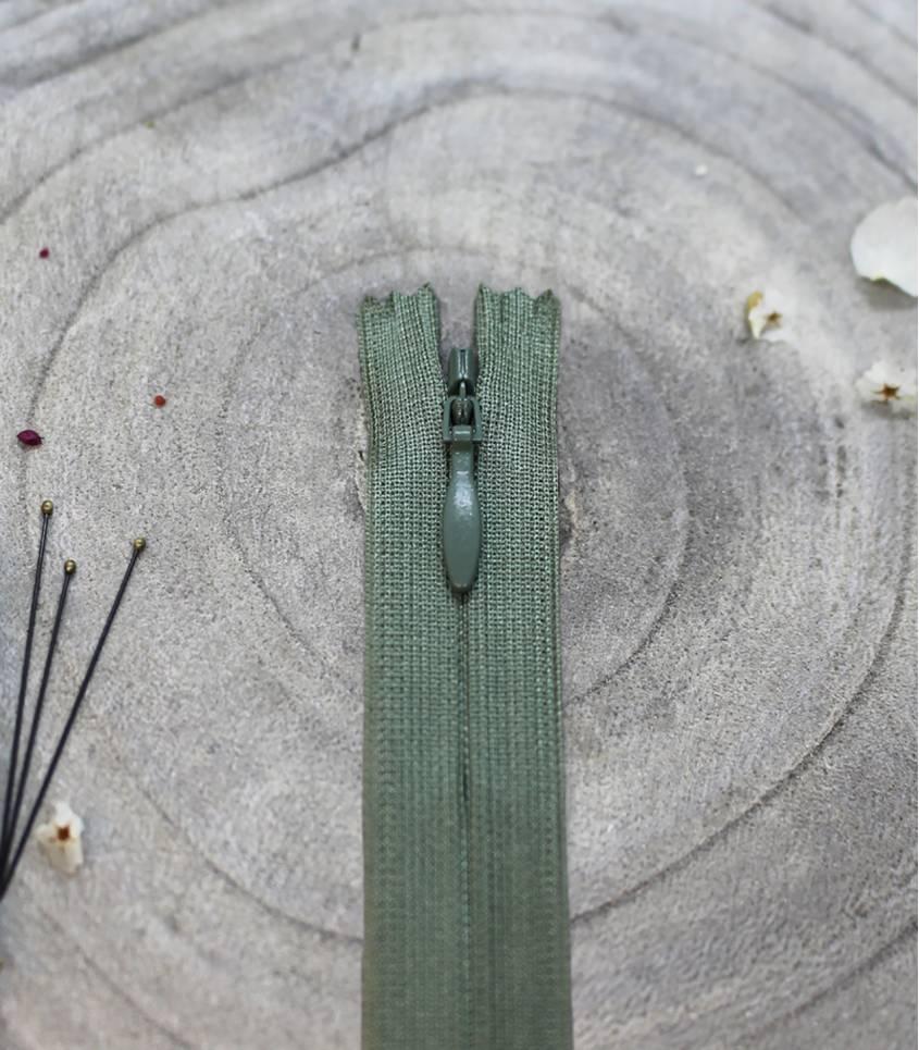 Fermeture à glissière invisible- Cedar