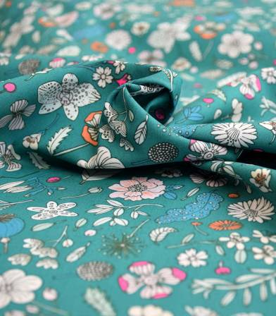 Popeline fleurs sur vert - Rico design