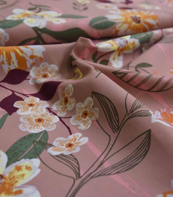 Popeline grandes fleurs sur beige rosé