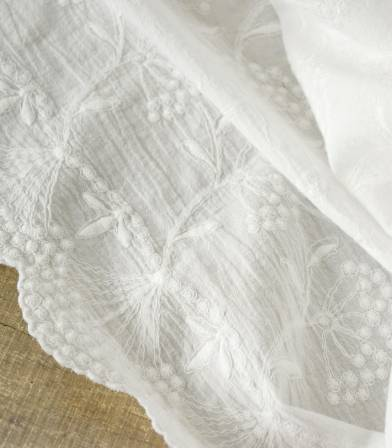 Broderie anglaise Ombelles à festons