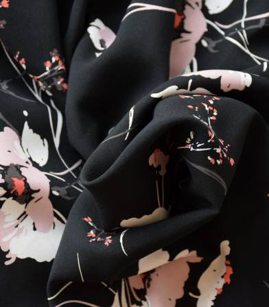 Tissu viscose Fleurs des champs - Noir