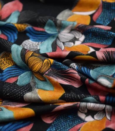 Tissu jersey viscose - Sketch flowers black