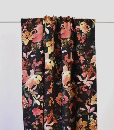 Tissu twill viscose Dark flowers
